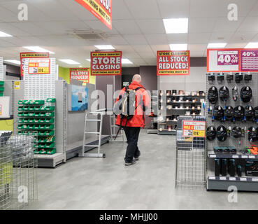 Interior of Maplin store with store closing signs. England, UK - Stock Photo