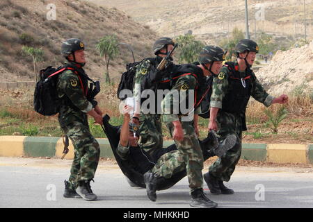 Amman. 2nd May, 2018. Soldiers from Chinese People's Armed Police Forces take part in the 10th Annual Warrior Competition at the King Abdullah II Special Operations Training Center of Amman, Jordan, on May 1, 2018. A total of 40 teams representing 25 countries are taking part in the competition which is held from April 30 until May 7. Credit: Xinhua/Alamy Live News - Stock Photo