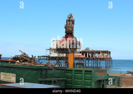 The Demolition of Colwyn Bay Victoria Pier - Stock Photo