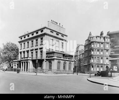 Foley House in Langham Place, London, as it looked before Broadcasting House was built on the site.      Date: 1926 - Stock Photo