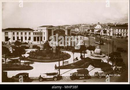 Aerial view of the Avenida 24 de Julho and Caes do Sodre, Lisbon, Portugal. The Avenue is named after the date of the capture of Lisbon in 1833 during the Portuguese Civil War.      Date: circa 1930 - Stock Photo