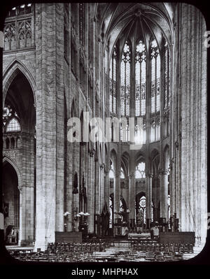 Interior view of the Cathedral of St Peter of Beauvais, northern France, dating back to the 13th century.     Date: circa 1900s - Stock Photo