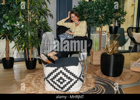 berlin deutschland 02nd may 2018 berlin the actress hannah herzsprung comes to. Black Bedroom Furniture Sets. Home Design Ideas