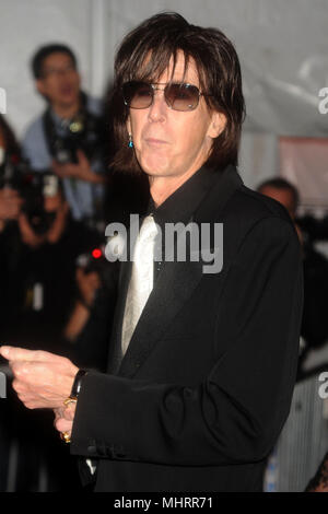 NEW YORK - MAY 04: Ric Ocasek, Paulina Porizkova attends 'The Model as Muse: Embodying Fashion' Costume Institute Gala at The Metropolitan Museum of Art on May 4, 2009 in New York City   People:  Ric Ocasek - Stock Photo