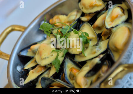 Nouvelle cuisine gourmet fish dish stock photo 39561283 - Restaurant la chaloupe port des barques ...