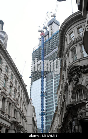 View of 22 Bishopsgate a skyscraper replacing the Pinnacle building under construction from Threadneedle Street in the City of London UK KATHY DEWITT - Stock Photo