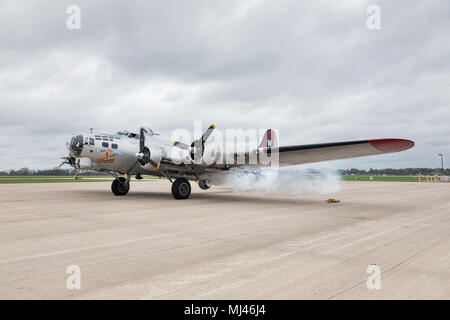 "Burlington, Iowa, USA. 3rd May, 2018. The World War II B-17 bomber ""Aluminum Overcast"" flew to Burlington, Iowa this afternoon. The classic plane is on tour and will be visiting Burlington for three days. Aluminum Overcast is owned by the Experimental Aircraft Association of Oshkosh, Wisconsin. Credit: Keith Turrill/Alamy Live News - Stock Photo"