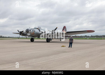 "Burlington, Iowa, USA. 3rd May, 2018. The World War II B-17 bomber ""Aluminum Overcast†flew to Burlington, Iowa this afternoon. The classic plane is on tour and will be visiting Burlington for three days. Aluminum Overcast is owned by the Experimental Aircraft Association of Oshkosh, Wisconsin. Credit: Keith Turrill/Alamy Live News - Stock Photo"