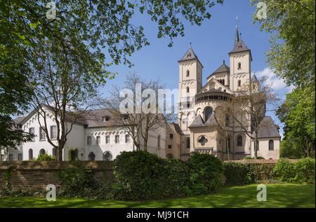 Brauweiler bei Pulheim, Abteikirche St. Nikolaus, Gesamtanlage, Blick von Nordosten - Stock Photo