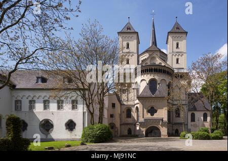 Brauweiler bei Pulheim, Abteikirche St. Nikolaus, Gesamtanlage, Blick von Osten - Stock Photo