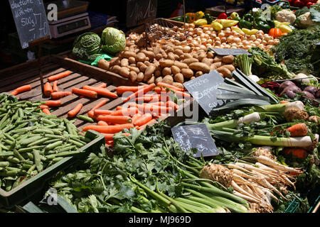Vegetable stand at a marketplace in Mainz, Germany. Farmers market. - Stock Photo