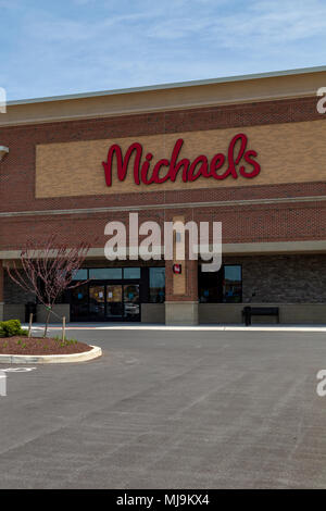 the exterior of michaels an arts and crafts store on memorial road stock photo 104377225 alamy. Black Bedroom Furniture Sets. Home Design Ideas