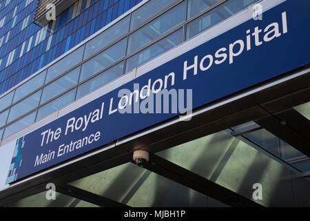Main entrance to the Royal London Hospital in East London, England, United Kingdom. Britains biggest new NHS hospital The Royal London and Barts state-of-the-art new building which will sit behind the historic front block overlooking the Whitechapel. - Stock Photo