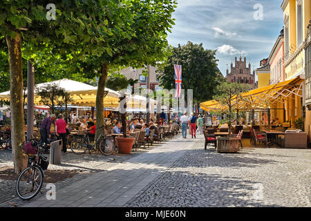 Marketplace with cafes and restaurants in Xanten, the Lower Rhine, North Rhine-Westphalia, Germany - Stock Photo