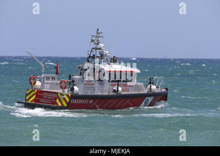 Fort Lauderdale, Florida, USA. 5th May, 2018.  Fire Boat performs at The Fort Lauderdale Air Show on May 5, 2018 in Fort Lauderdale, Florida.    People:  Fire Boat Credit: Storms Media Group/Alamy Live News - Stock Photo