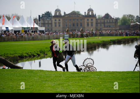 Gloucestershire, UK.5th May 2018. Oliver Townend walking the Cross Country course at the 2018 Mitsubishi Motors Badminton Horse Trials, Badminton, United Kingdom. Jonathan Clarke/Alamy Live News - Stock Photo