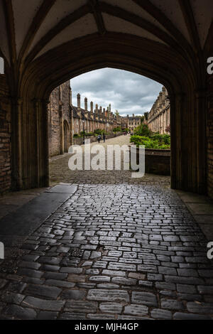 Vicars' Close in Wells Somerset, viewed from the arched gate at the Chain Gate, is claimed to be the oldest purely residential street with original bu - Stock Photo