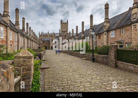 Vicars' Close in Wells Somerset, viewed looking towards the Chain Gate, is claimed to be the oldest purely residential street with original buildings  - Stock Photo