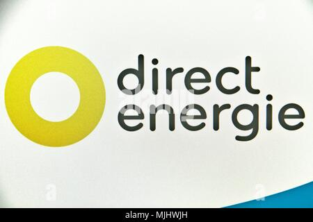 Website of Direct Energie, supplier and private French producer of electricity and gas present on the French market since 2003. - Stock Photo