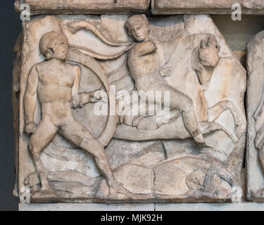 London. England. British Museum, Nereid Monument, frieze (detail), Battle with scenes of infantry and cavalry combat, from Xanthos, Turkey, ca. 390-38 - Stock Photo