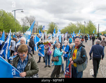 Glasgow, Scotland. 5th May 2018. A crowd of protesters at Glasgow Green for the March for Independence. - Stock Photo