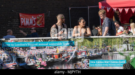 Little Venice, London, UK 5 May 2018. Annual early May Bank Holiday festival of canal boats and related entertainment run by the Inland Waterways Association. Credit Deborah Bevan Credit: Deborah Bevan/Alamy Live News - Stock Photo