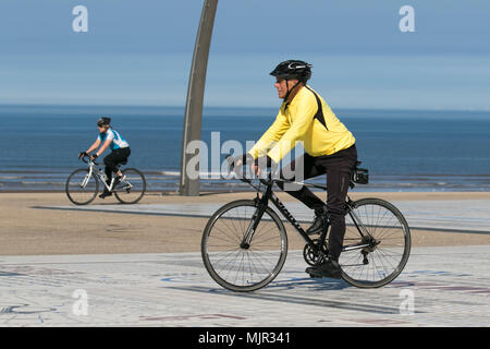 Blackpool Lancashire. UK Weather. 06/05/2018.  Sunny start to the day on the Fylde Coast as the north-west coast experiences the hottest temperatures so far this week. Credit: MediaWorldImages/AlamyLiveNews - Stock Photo