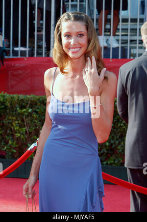 Shannon Elizabeth arriving at the 10th Annual ESPY Awards at the Kodak Theatre in Los Angeles. July 10, 2002.           -            ElizabethShannon01AA.jpgElizabethShannon01AA  Event in Hollywood Life - California,  Red Carpet Event, Vertical, USA, Film Industry, Celebrities,  Photography, Bestof, Arts Culture and Entertainment, Topix Celebrities fashion /  from the Red Carpet-, one person, Vertical, Best of, Hollywood Life, Event in Hollywood Life - California,  Red Carpet and backstage, USA, Film Industry, Celebrities,  movie celebrities, TV celebrities, Music celebrities, Photography, Bes - Stock Photo