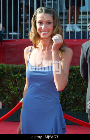 Shannon Elizabeth arriving at the 10th Annual ESPY Awards at the Kodak Theatre in Los Angeles. July 10, 2002.           -            ElizabethShannon06.jpgElizabethShannon06  Event in Hollywood Life - California,  Red Carpet Event, Vertical, USA, Film Industry, Celebrities,  Photography, Bestof, Arts Culture and Entertainment, Topix Celebrities fashion /  from the Red Carpet-, one person, Vertical, Best of, Hollywood Life, Event in Hollywood Life - California,  Red Carpet and backstage, USA, Film Industry, Celebrities,  movie celebrities, TV celebrities, Music celebrities, Photography, Bestof, - Stock Photo