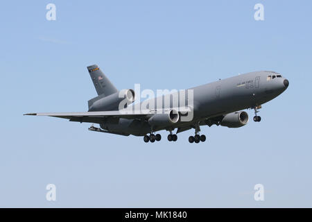 USAF KC-10A Extender from McGuire AFB on approach into RAF Mildenhall on a bright morning. - Stock Photo