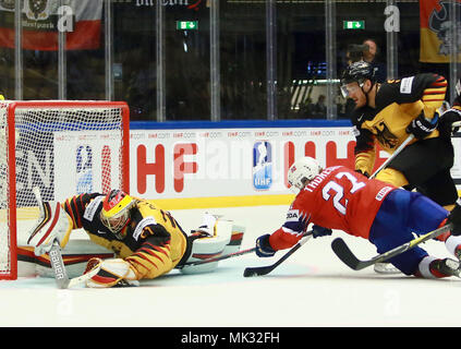 Herning, Denmark. 6th May, 2018. in front from left Timo PIELMEIER (GER), Steffen THORESEN (Norway), .May 06, 2018, Ice Hockey World Championship2018, Germany vs Norway, Jyske Bank Boxen, Herning/Denmark, Credit: Wolfgang Fehrmann/ZUMA Wire/Alamy Live News - Stock Photo