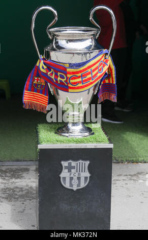 Barcelona, Spain. 6th May, 2018. Trophée  during the Spanish championship Liga football match between FC Barcelona and Real Madrid on May 6, 2018 at Camp Nou stadium in Barcelona, Spain - Photo Laurent Lairys / DPPI Credit: Laurent Lairys/Agence Locevaphotos/Alamy Live News - Stock Photo