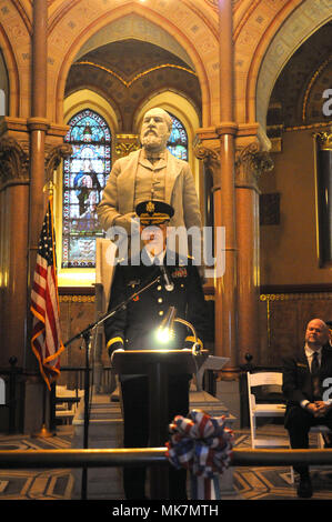 Brigadier Gen. Tony L. Wright, the deputy commanding general for the 88th Readiness Division, speaks about the accomplishments of the 20th President of the United States James A. Garfield, during a ceremony honoring the former president at his Cleveland, Ohio memorial site, November 18, 2017. - Stock Photo