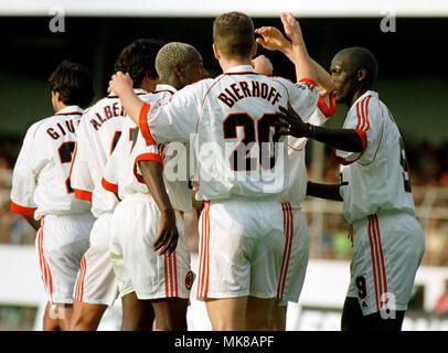 Football: Stadion am Bruchweg Mainz Germany 31.5.1999, international friendly match FC Bayern München (Munchen, Muenchen) vs AC Milan (Milano) --- Milan celebrates Stock Photo