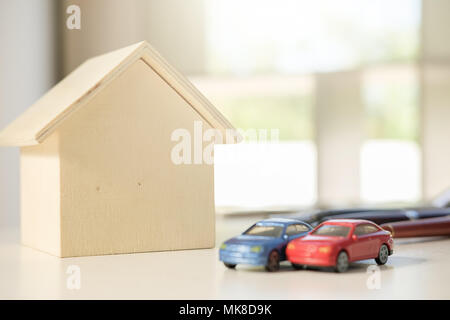 Real estate broker residential house and car rent listing contract - Stock Photo