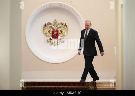 (180507) -- MOSCOW, May 7, 2018 (Xinhua) -- Russian President Vladimir Putin walks in the Kremlin before his inauguration ceremony in Moscow, capital of Russia, on May 7, 2018. Vladimir Putin took the oath of office Monday to start his fourth term as Russian president. (Xinhua/Sputnik) (zjl) - Stock Photo