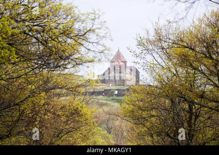 Armenia. 06th May, 2018. GEGHARKUNIK PROVINCE, ARMENIA - MAY 6, 2018: A view of the churches of Surp Astvatsatsin and Surp Arakelots as part of the Sevanavank monastic complex on the shore of Lake Sevan in eastern Armenia. Artyom Geodakyan/TASS Credit: ITAR-TASS News Agency/Alamy Live News - Stock Photo