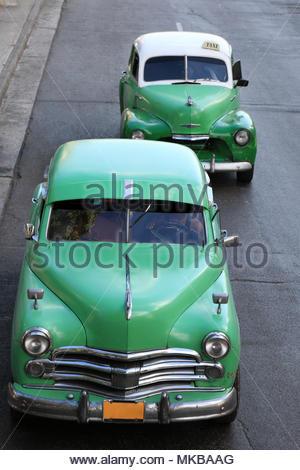 Old Cuban taxis in Havana - Stock Photo
