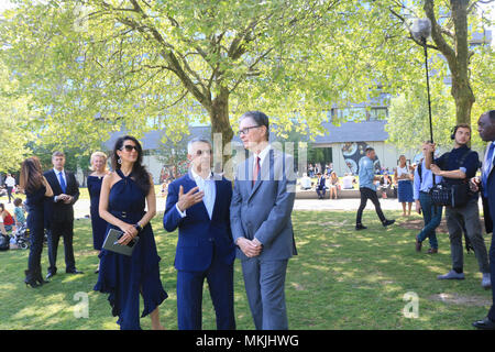 London UK. 8th May 2018. Linda Pizutti wife of John W Henry,  the owner of  the Major League Baseball team The Boston Red  and Liverpool FC John W Henry meets London Mayor Sadiq Khan outside City Hall London. London is set to welcome Major League Baseball for the first time with two games at the London Stadium between the New York Yankees and the Boston Red Sox in 2019 Credit: amer ghazzal/Alamy Live News - Stock Photo