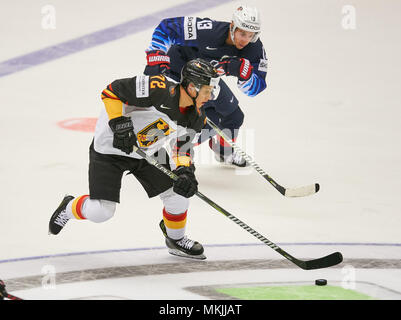 Ice Hockey World Cup 2018, Herning, May 07, 2018 Dominik KAHUN, DEB 72 against Johnny GAUDREAU, USA 13  GERMANY - USA  0-3 IIHF Icehockey World Championships 2018 DEB , in Herning, Denmark May 07, 2018 © Peter Schatz / Alamy Live News - Stock Photo