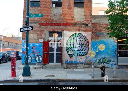 Rockaway Brewing Company LIC Tap Room, 46-01 5th St, Long Island City, NY. - Stock Photo