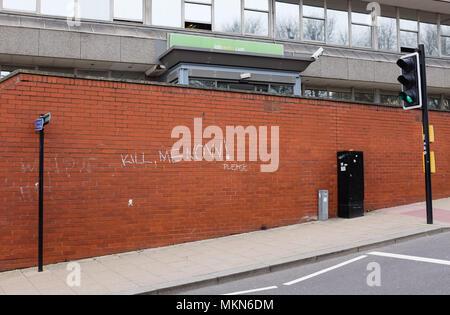 Graffiti on wall saying Kill Me Now outside Job Centre in Edward Street Brighton UK - Stock Photo