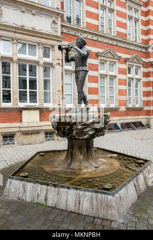 Statue of the Pied Piper of Hamelin in the old town - Stock Photo