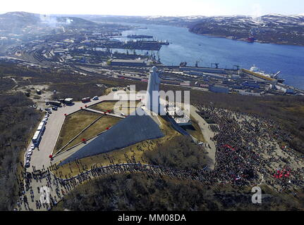 MURMANSK, RUSSIA - MAY 9, 2018: An aerial view of the Defenders of the Soviet Arctic during the Great Patriotic War monument (commonly called 'The Alyosha monument') during the events marking 73rd anniversary of the Victory over Nazi Germany in the 1941-45 Great Patriotic War, the Eastern Front of World War II. Alexei Mkrtchyan/TASS - Stock Photo