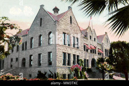 High School. Santa Barbara. 1910 - Stock Photo