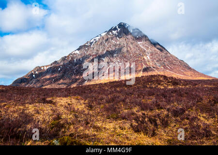 Buachaille Etive Mor - great pyramidal Etive Shepherd Mountain (3.350 feet) at the junction of Glen Coe and Glen Etive in the Highlands of Scotland - Stock Photo