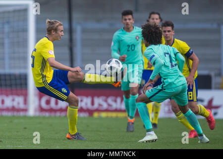 Sylvin Kayembe (Sweden) hooks the ball forward during the 2018 UEFA European Under-17 Championship Group B match between Sweden and Portugal at Pirelli Stadium on May 10th 2018 in Burton upon Trent, England. (Photo by Richard Burley/phcimages.com)