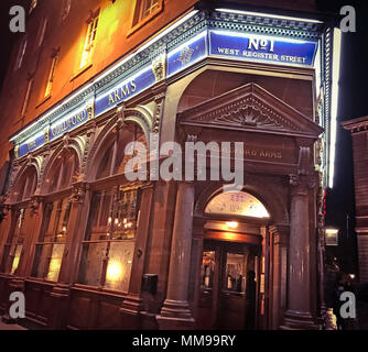 The Guildford Arms, No 1, West Register Street, Edinburgh EH2 2AA, real ale pub, Scotland, UK, at night - Stock Photo