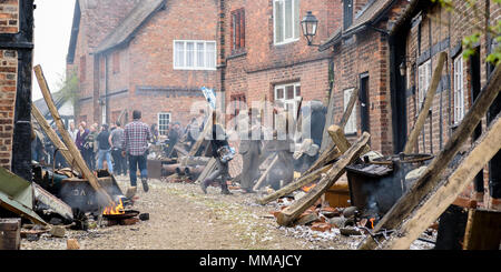 Great Budworth, UK. 9th April, 2018. Actors dressed in Edwardian costumes and film crew, starring in the new BBC drama 'War Of The Worlds' by HG Wells, - Stock Photo