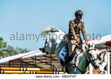 Badminton, Stroud, Gloucestershire, England, UK. 6th May 2018. Another scorching summers day at the Badminton Horse Trials for the Show Jumping. Badmi - Stock Photo
